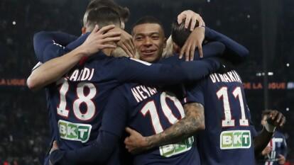 Con goles de Naymar, triplete de Icardi, Mbappé y un autogol de Jessy Moulin, el PSG golea en casa 6-1 al Saint-Ettiene.