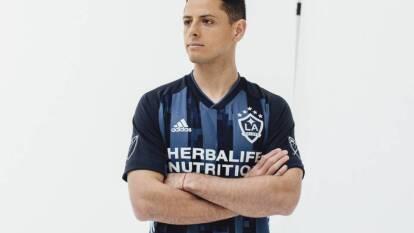 LA Galaxy ya puso a la venta la playera que usará Chicharito Hernández