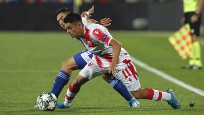Con goles de Vulic, Milunovic y Boakye, el Estrella Roja remontó 3-1 al Olympiakos, en la jornada 2 de la Champions League.