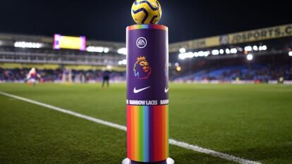 Por dos semanas, los partidos de la Premier League se llenarán de arcoíris para celebrar la campaña 'Rainbow Laces' como muestra de apoyo a la comunidad LGTB dentro y fuera del futbol, donde no haya discriminación y demostrar que el poder del futbol une a la gente.