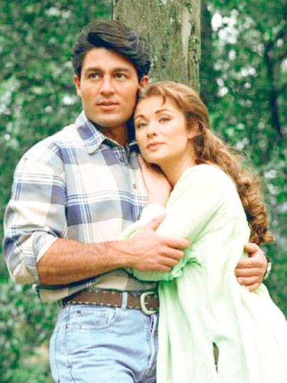 En 1997 fue co-protagonista de Lety Calderón en 'Esmeralda', pareja que gustó mucho al público.