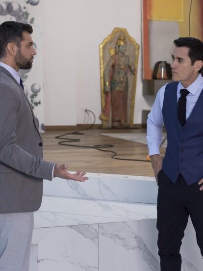 En 'Vencer el Desamor', 'Paulo' llega desesperado a preguntarle a 'Álvaro' si sabe algo sobre 'Olga'. Él le informa que fue encontrada sin vida; 'Paulo' queda devastado con la noticia.
