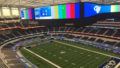 La nueva casa para los Rams y para los Chargers esta lista y es simplemente hermosa.