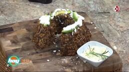 Cocinando con las estrellas: Rosca de enfrijoladas con queso cotija y cilantro