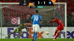'Chucky' Lozano y Napoli sufrieron en Europa League ante AZ Alkmaar