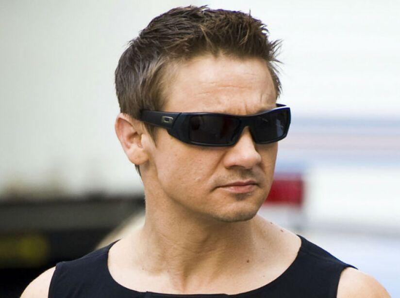 Jeremy es zurdo. Hizo una aparición en el video Trouble (2003) de P!nk.