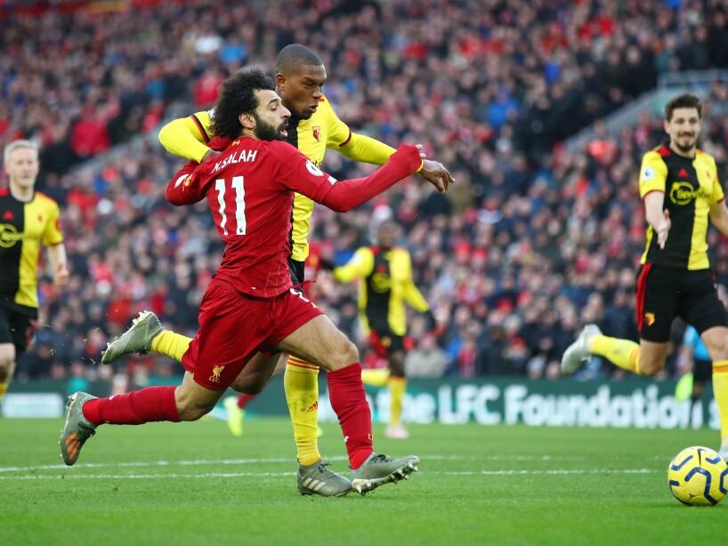 En el Anfield, Liverpool vence al último de la tabla, Watford, 2-0. La diferencia entre ambas escuadras es de 40 puntos en la general. Salah (38´, 90') marcó lo goles por los locales. Liverpool lega a 49 unidades, mientras que Watford sólo acumula 9.