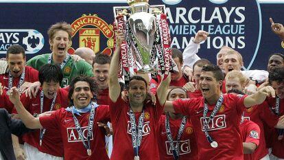 Según una encuesta del Daily Mirror, Ryan Giggs es considerado como el mejor jugador en la historia de la Premier League, por encima de grandes estrellas como lo son Cristiano Ronaldo y Thierry Henry.