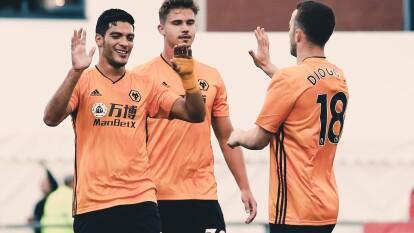 Con doblete de Raúl Jiménez el Wolverhampton derrota 4-1 (6-2 global) a Crusaders en la Segunda Ronda de la UEFA Europa League.