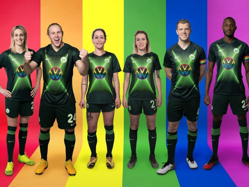 Wolfsburg jersey (2).jpg