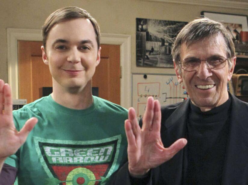 2. Leonard Nimoy: Apareció como sí mismo, el actor que dio vida al famoso Señor Spock.