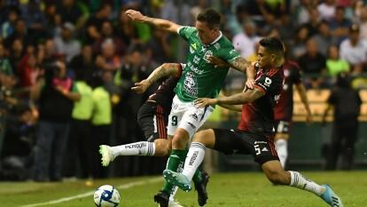 Govea (17') marcó para los felinos, mientras que Moreno (47') lo hizo por los visitantes. León cierra la noche en la tercera posición de la tabla general y Atlas queda en la décimo segunda. Próximos compromisos: Puebla y Querétaro, respectivamente.
