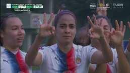 ¡Llegó el gol! Jaramillo marca el 0-1 de Chivas por la vía del penal
