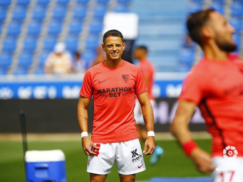 Chicharito la ligaSevilla Alaves.jpg