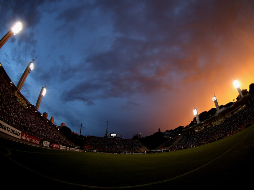 Sao Paulo v The Strongest - Copa Bridgestone Libertadores 2016
