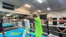 Ozuna se prepara con Floyd Mayweather arriba del ring
