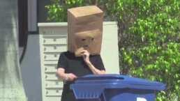 VIDEO: Captan a la mamá de Sarita con bolsa de cartón para que no la reconozcan