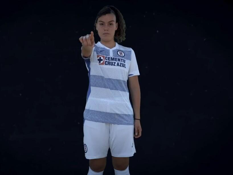 Presentación uniforme Cruz Azul1.jpg