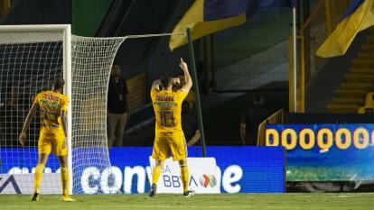 Gignac anotó el 2-1 ante Juárez, mismo que significó la voltereta ante Bravos. Posteriormente su equipo ganó 3-2 y al goleador francés no le importó que el 'Volcán' estuviera vacío, festejó como si todos estuvieran ahí ¡Este es Gignac!