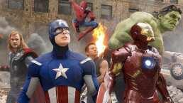 Parodian entrada heroica de los Avengers en shorts