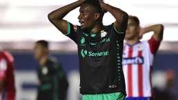 Juan Otero asegura que Santos debió dejar la cancha tras insulto racista a Torres