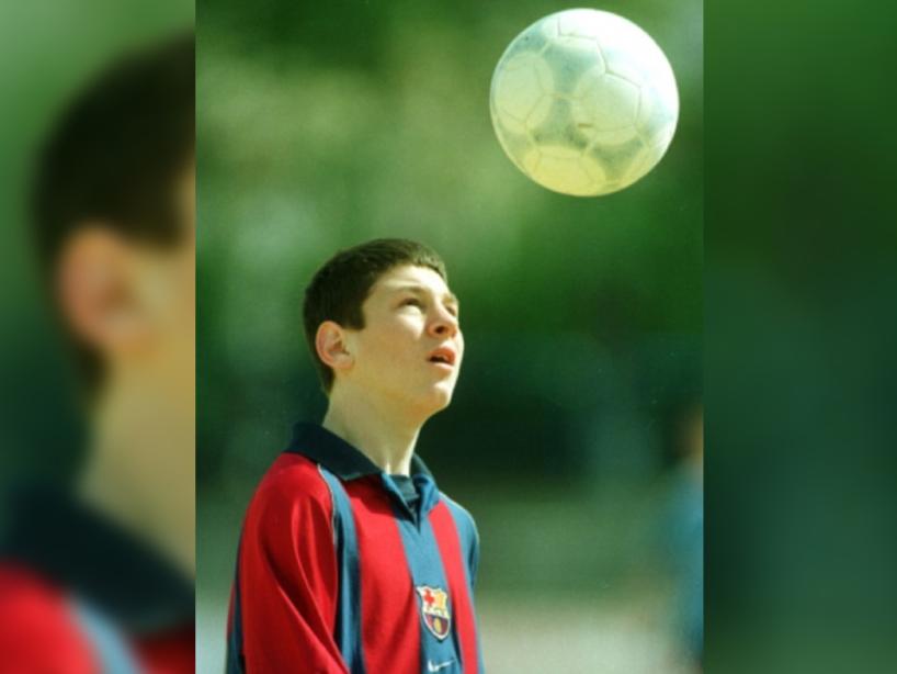 Messi y Fábregas, 1.png