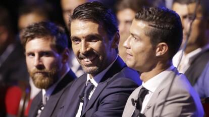 Estos son los jugadores que han disputados más duelos de Champions   El futbolista que participó en más partidos de la UEFA Champions League está retirado, el segundo lugar es para CR7.