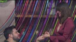 """Novia de Paul Stanley le entrega el anillo al conductor en plena transmisión de """"Hoy"""""""