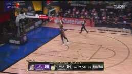 ¡Se regodea! Danny Green asegura dos puntos para Lakers