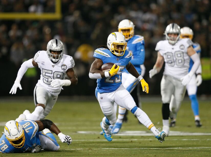 Los Angeles Chargers v Oakland Raiders