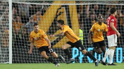Ruben Neves celebra el gol del empate ante el Manchester United.