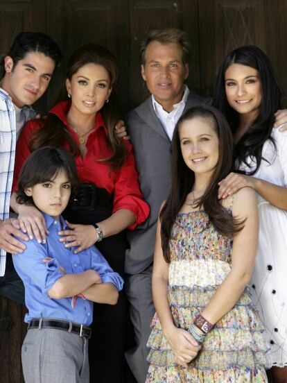 Hace 12 años se estrenó la telenovela 'Juro que te amo', la cual fue protagonizada por Ana Brenda y José Ron; pero uno de los personajes que se ganó el cariño del público fue el del pequeño 'Daniel', encarnado por Adriano Zendejas.