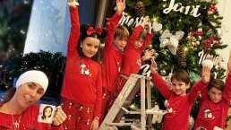 A pesar de estar convaleciente, Inés Gómez Mont ayudó a sus hijos a poner el árbol de navidad