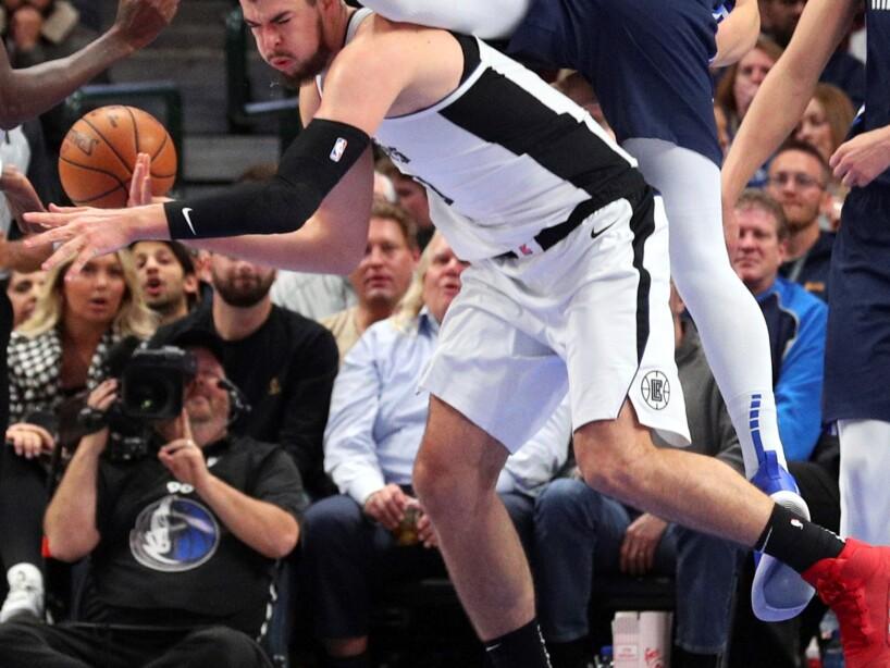 Los Dallas Mavericks cayeron en casa 110-107; Kawhi Leonard y Luka Doncic los máximos anotadores del juego.