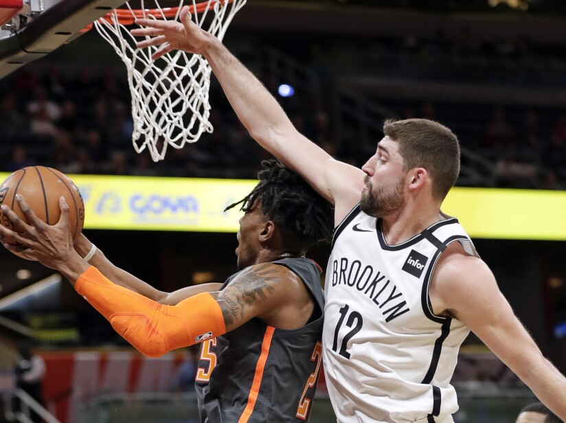 Wes Iwundu, Joe Harris