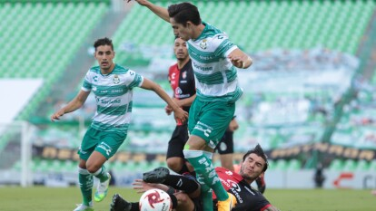 Los Santos no aprovechan la localía frente al Atlas, y con muy pocas llegadas, los Guerreros y los Zorros se dividen los puntos.