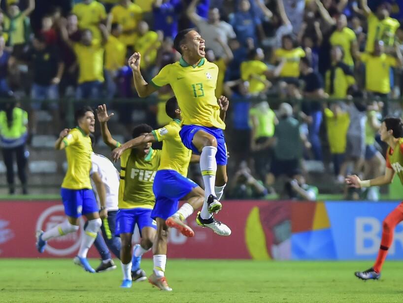 Francia cayó en Brasilia 3-2 ante los cariocas que disputarán con México la final del torneo.
