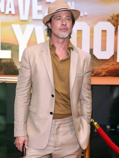 Brad Pitt se dejó consentir por sus fans mexicanos, quienes acudieron a la premier de su película 'Había una vez en… Hollywood'.