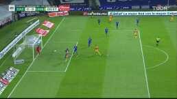 ¡Futbol champagne! Túnel de Quiñones y Aquino se pierde el gol