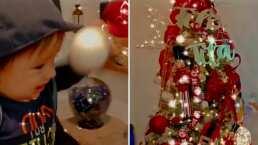 """""""La primera Navidad de André"""": Hijo de Sherlyn mira con asombró el hermoso árbol de Navidad"""