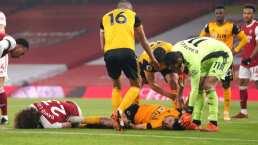 Raúl Jiménez abandona conmocionado el juego ante Arsenal