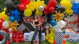 Con enormes globos de colores, Zuria Vega celebra la primera fiesta de cumpleaños de su hijo Luka