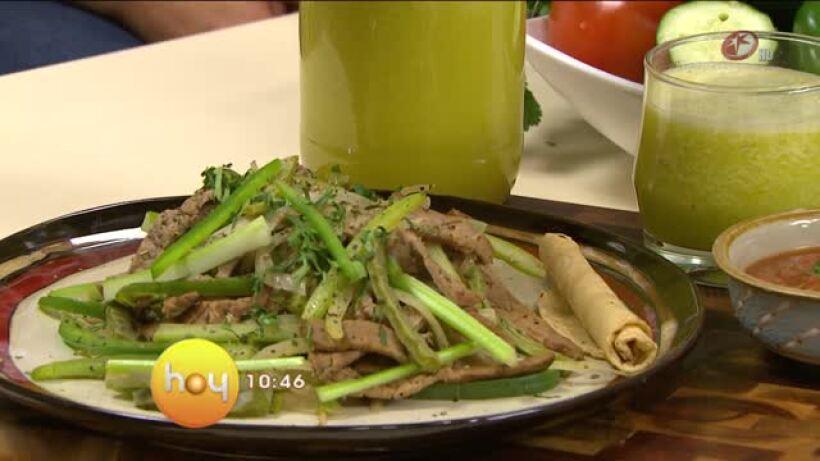 Cocina chef Oropeza Fajitas de res con vegetales verdes