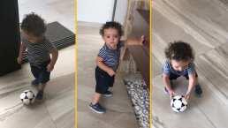 Con tan solo un año, Tadeo ya camina, baila y hasta juega fútbol como un profesional