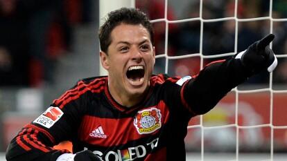 El delantero azteca tuvo una carrera destacada tras su paso por la Bundesliga y forma parte del XI ideal de latinos en la década de la Liga de Alemania.