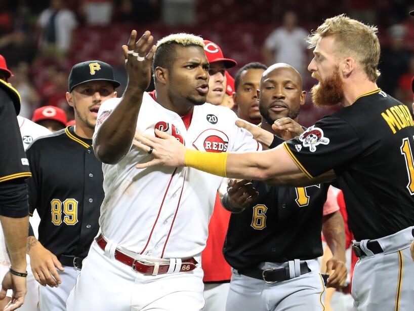 Los jugadores de las ligas más populares del mundo que sucumbieron al calor del juego y se fueron a los golpes.