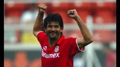 En la década de los 90, el futbol mexicano vivió el nacimiento de la leyenda guaraní.
