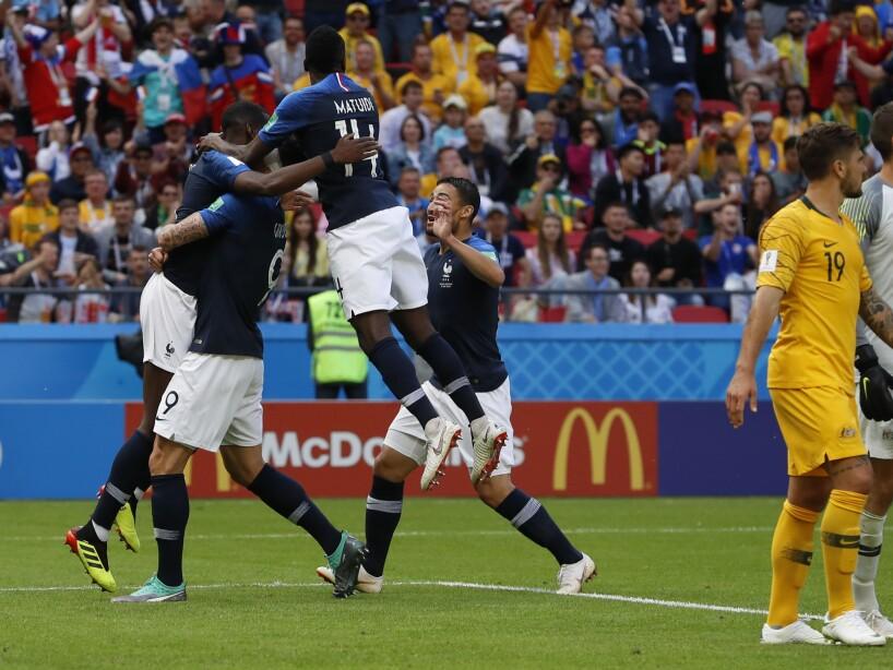 Los franceses festejan el gol de Paul Pogba