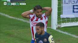 Cerca Chivas del gol, pero el remate se fue arriba