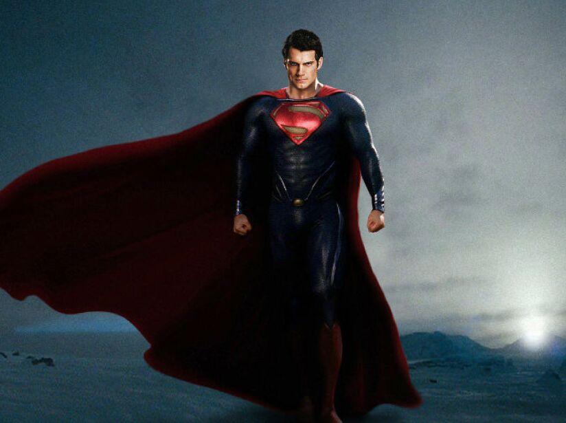 Superman: El Hombre de Acero (para los que aun no lo sabían) es extraterrestre. Llegó a la tierra porque su planeta estaba por destruirse, el resto de la historia ya todos la conocemos.